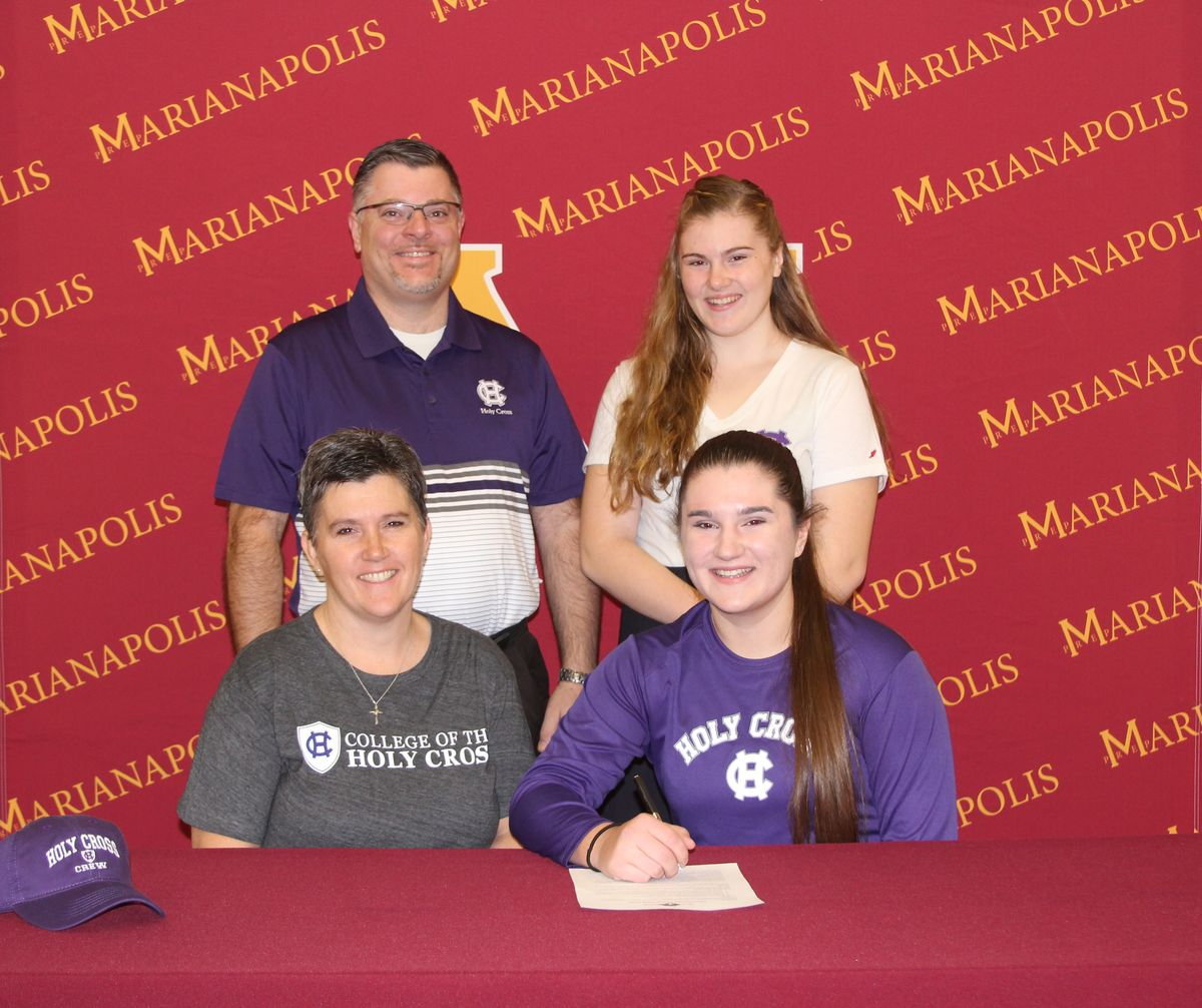 Grace Rett '18 Commits to Row at College of the Holy Cross