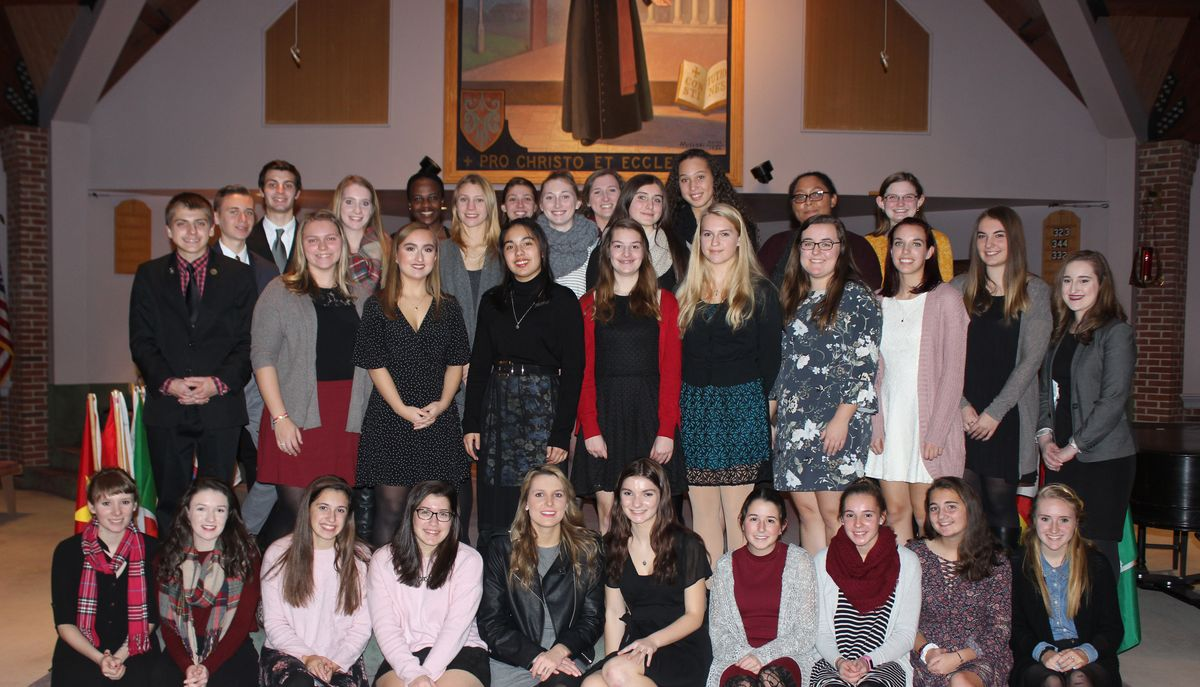 Twenty Inducted into the Sociedad Honoraria Hispánica